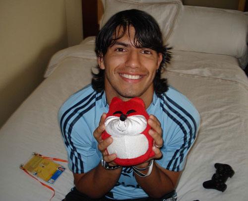 阿奎罗在奥运会期间为搜狐作秀