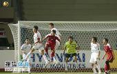 图文:[亚青赛]中国0-0朝鲜 角球争顶