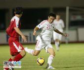 图文:[亚青赛]中国0-0朝鲜 起脚传球