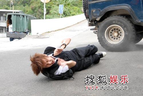 林俊杰被撞