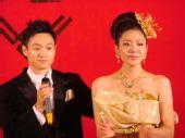 图:杨威杨云浪漫大婚 杨威安慰新娘