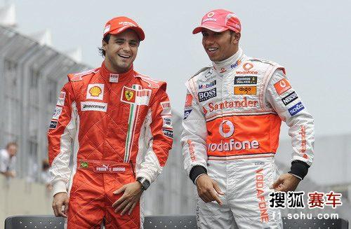 图文:F1巴西站 小汉和马萨在赛前