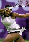 图文:WTA总决赛演威氏内战 小威回球死缠姐姐