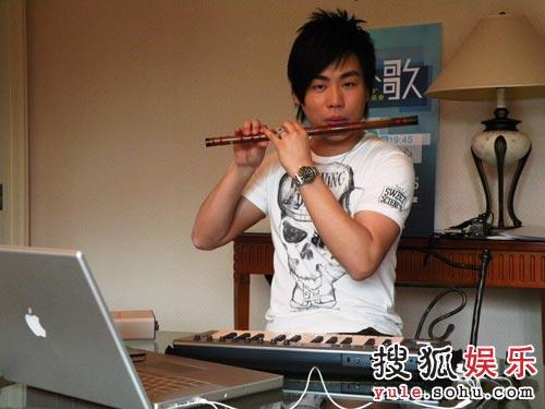 练习吹风笛