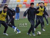 图文:[中超]天津备战陕西 张烁需要进球