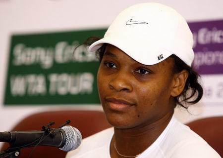 图文:小威退出WTA总决赛 小威无奈退赛