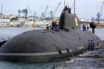"""资料图片:俄罗斯海军阿库拉Ⅱ级""""公野猪""""号(Vepr) 攻击型核潜艇"""