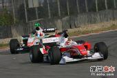 图文:A1中国站闭幕 黎巴嫩车手比赛中
