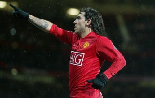 图文:[联赛杯]曼联1-0QPR 特维斯庆祝