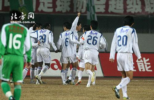 图文:[中超]北京2-2天津 泰达超出比分