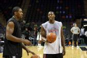 图文:[NBA]火箭VS马刺  阿泰教育新秀