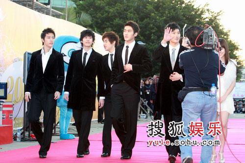 08东南音乐劲爆榜现场精彩图片 SJ-M