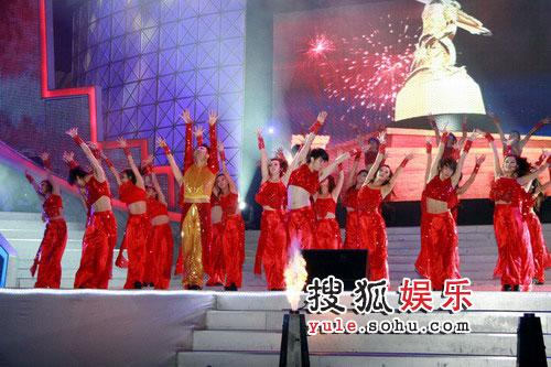 08东南音乐劲爆榜现场精彩图片 开场特别热舞