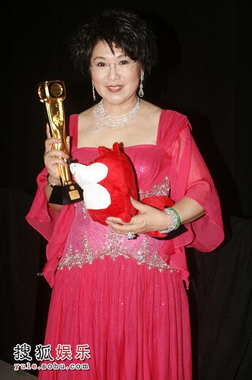 我最喜爱的电视女角色李司棋 与狐狸合影