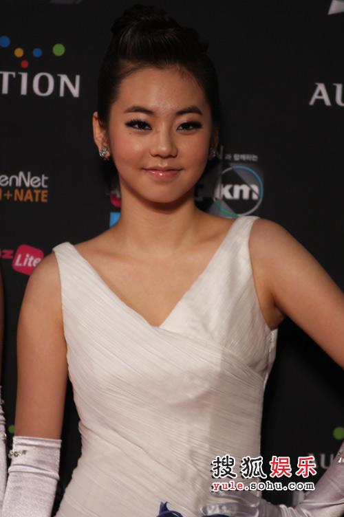 独家美图:2008MKMF颁奖红毯 安昭熙