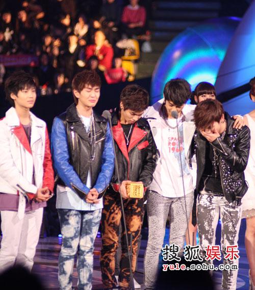 独家美图:2008MKMF颁奖现场 SHINee-02