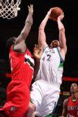 图文:[NBA]开拓者胜森林狼 奥登阻击勒福