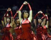 图文:山东VS天津 啦啦队热舞