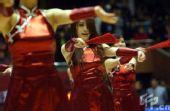 图文:山东VS天津 拉拉队员热舞