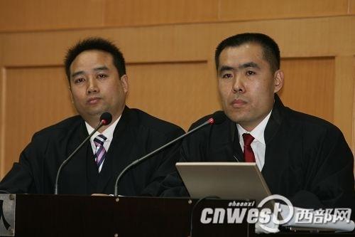 陕西律师杨建军、北京律师顾玉树为周正龙免费辩护