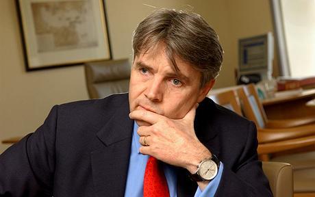 英国科学大臣罗德-德雷森接受采访
