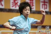 图文:乒球全锦赛女团次日 张怡宁秀发飞扬
