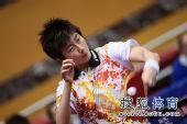 图文:女团1/8决赛北京完胜 丁宁反手推挡