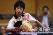 图文:女团1/8决赛北京完胜 张怡宁反手推挡