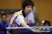 图文:女团1/8决赛北京完胜 张怡宁接挡网前球