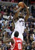图文:[NBA]火箭VS奇才 史蒂文森跳投