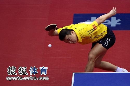 图文:全国乒乓球全锦赛第三日 马琳经典姿势