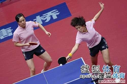 图文:乒乓球全锦赛第八日 刘诗雯发力短发飘逸