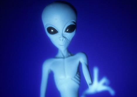 调查显示英国人相信鬼和外星人甚于上帝(图)