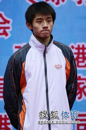 图文:全锦赛张继科男单夺冠 张继科登台领奖