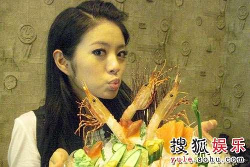 安以轩开心吃日本料理