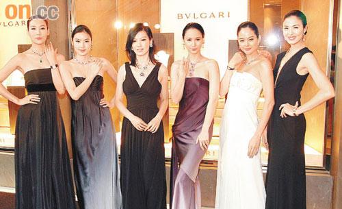 众名模昨日佩戴的钻饰中,以林熙蕾(左三)所戴的最贵