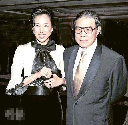 霍震霆与朱玲玲经常结伴出席公开活动,但两人的童话式婚礼维持了26年便告终