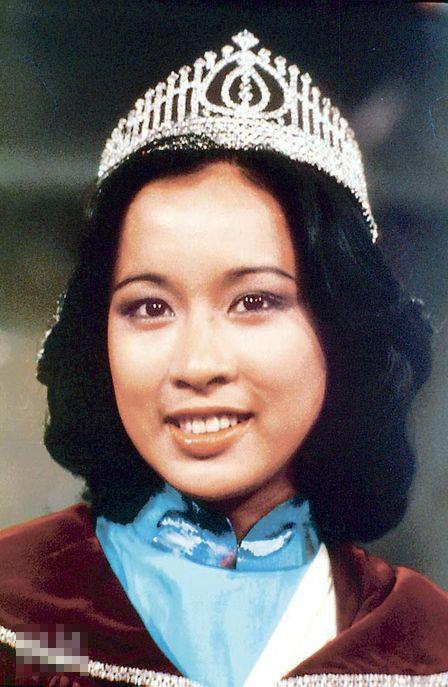 """朱玲玲于77年当选港姐冠军,有""""最美丽港姐""""美誉"""
