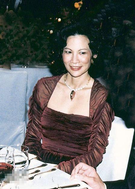 罗康瑞前妻Jean Ho当年作风低调,鲜有结伴出席活动
