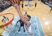 图文:[NBA]爵士大胜灰熊 基里连科大力扣篮