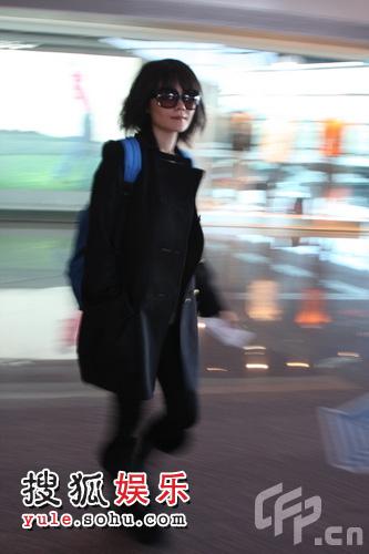 王菲在首都机场