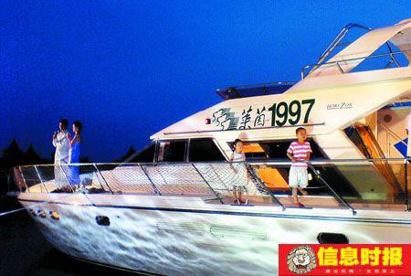 """奢侈品消费萎缩,但私人游艇业却依旧""""雅兴不减""""。专题摄影 信息时报记者 陆明杰"""