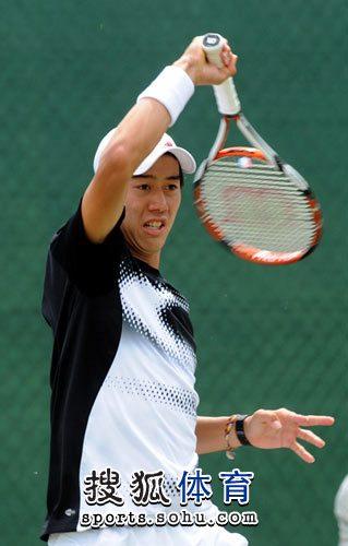 图文:福原爱锦织圭街头示爱 网球小子很帅气