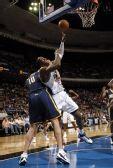 图文:[NBA]步行者负魔术 霍华德勉强出手