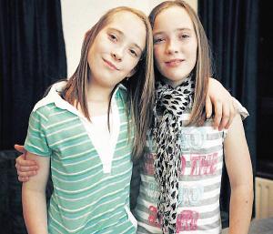 现年11岁的尼芙和爱法