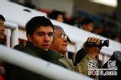 图文:[中超]北京2-0成都 米卢赴丰体观战