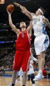 图文:[NBA]火箭VS掘金 姚明勾手
