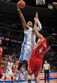 图文:[NBA]火箭VS掘金 安东尼出手