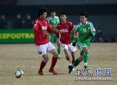 图文:[中超]北京2-0成都 黄博文伺机而动