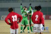 图文:[中超]北京2-0成都 黄博文进球很兴奋